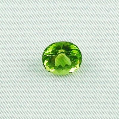 2.66 ct peridot gemstone jewelry stone 8.78 x 7.89 x 5.73 mm, pic1