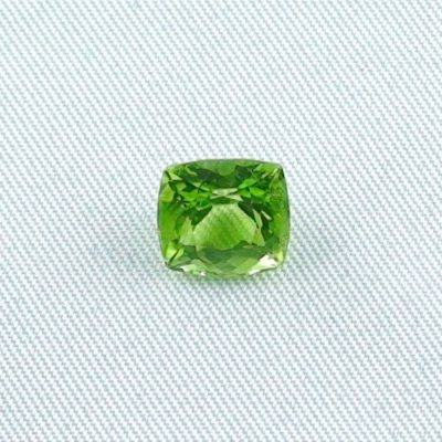3.23 ct peridot gemstone jewelry stone 8.47 x 8.16 x 5.89 mm, pic1