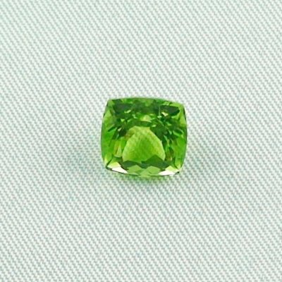 3.64 ct peridot gemstone jewelry stone 8.43 x 8.48 x 6.35 mm, pic1
