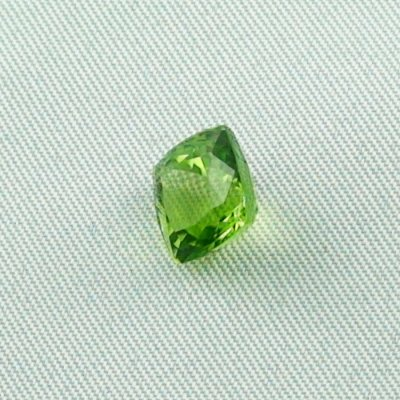 3.64 ct peridot gemstone jewelry stone 8.43 x 8.48 x 6.35 mm, pic2