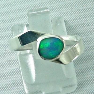 opalring, 3.63 gr silverring with black opal 0.88 ct, ladies ring, pic1
