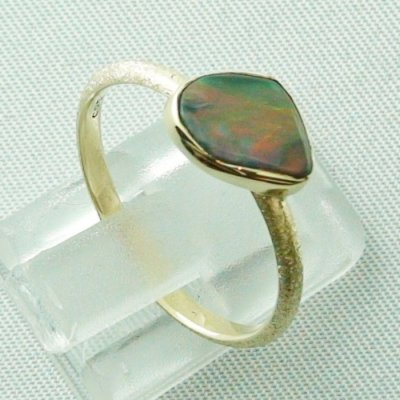 Opalring, 2.49 gr. goldring 14k with semi black opal 0.86 ct, pic2