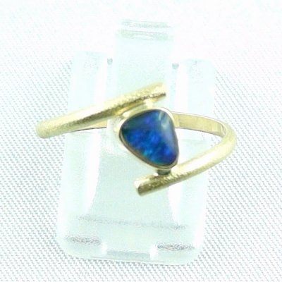 2.33 gr opalring, 18k / 750 goldring with 0.40 ct Black Opal, pic1