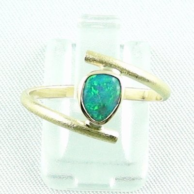 Opalring, 2.69 gr. goldring 18k with Black Crystal Opal 0.64 ct, pic1