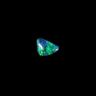 0.52 ct Black Opal gemstone 7.03 x 5.01 x 2.45 mm, pic4