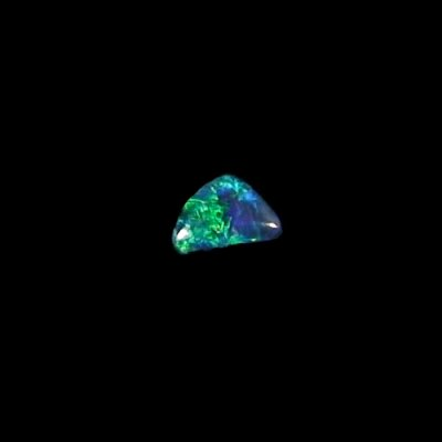 0.52 ct Black Opal gemstone 7.03 x 5.01 x 2.45 mm, pic6