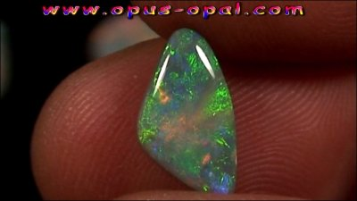 TO00150_4_GEM Class Black Opal 2,50 ct.jpg